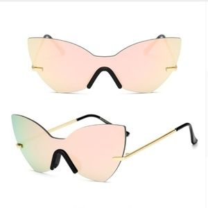Accessories - SUMMER SALE! Chic Mirrored Sunglases, 3 colors ava